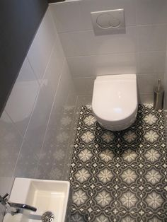 nice floor tiles for the toilet