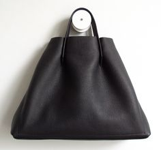 frrry: rivet book bag  same bag different orientation...coming in Sept to roz !  #frrry #handbags