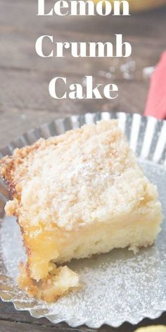 Who Can Resist A Tender Crumb Cake Especially When It Explodes With A Bright, Lemony Flavor? This Fluffy Cake Has A Tangy Lemon Curd Layer And A Buttery Crumb Topping. It Is A Wonderful Cake For Spring Via Lemonsforlulu Lemon Desserts, Köstliche Desserts, Delicious Desserts, Yummy Food, Cupcake Recipes, Cupcake Cakes, Cupcakes, Cake Fondant, Lemon Crumb Cake Recipe