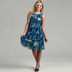 @Overstock.com - A lovely blue pattern highlights this fashionable dress from Adrianna Papell. Fully lined, a shirred empire waist and scoop neck finish this fashionable dress.  http://www.overstock.com/Clothing-Shoes/Adrianna-Papell-Womens-Blue-Shirred-Dress/6631984/product.html?CID=214117 $33.29