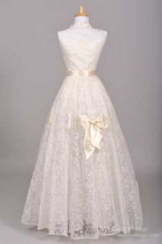 1950 Ribbon Lace Vintage Wedding Gown : Mill Crest Vintage