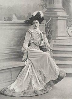 Robe de visite par Laferrière, 1903
