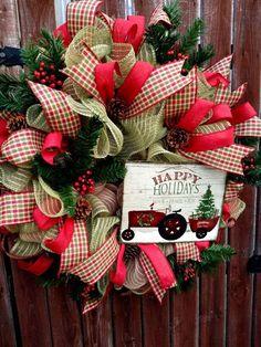 Cute Christmas Tree, Christmas Mesh Wreaths, Christmas Deer, Rustic Christmas, Christmas Home, Christmas Holidays, Christmas Crafts, Christmas 2019, Xmas Trees