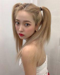 we took our cousins to coney island Seulgi, Pink Hair, Blonde Hair, Thing 1, Kim Yerim, Red Velvet Irene, Daegu, Kpop Girls, Korean Girl