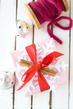 Gift Wrapping Ideas for Christmas from @saraschmutz