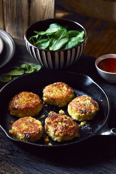 Crab and sweetcorn cakes with red-pepper and sweet-chilli sauce