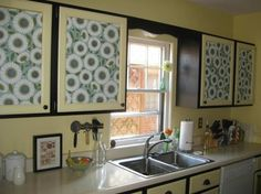 credit: Kara Paslay Designs [ http://karapaslaydesigns.blogspot.com/2011/10/30-kitchen-cabinet-makeover.html]