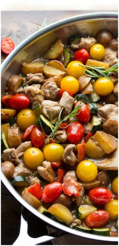 Balsamic Tarragon Chicken Skillet - This easy dinner dish is SO good, and flavorful!! #dinner