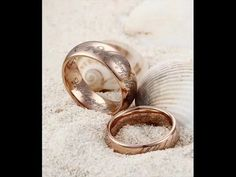 Wedding rings for the wedding: museum tip What the bride and groom should know about buying a wedding ring before the wedding – goldsmith&# Ring Verlobung, Signet Ring, Marriage Proposals, Gold Bands, Wedding Hairstyles, Groom, Wedding Rings, Engagement Rings, Bride