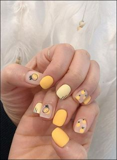 Short cute yellow nails with designs. Nails that cute and easy to work with. Short cute yellow nails with designs. Nails that cute and easy to work with. Cute Nail Art, Cute Nails, Pretty Nails, My Nails, Kawaii Nail Art, Korean Nail Art, Korean Nails, Nagellack Design, Yellow Nail Art