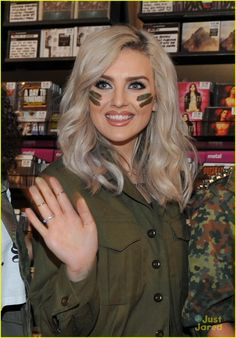 Perrie Edwards. #WCW