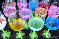 paint to use on wine glasses | DIY painted flower wine glasses