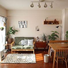 3LDK・家族・Namiheiのインテリア実例。 Studio Apartment Living, Home Living Room, Living Room Decor, Living Spaces, Small Apartment Interior, Living Room Interior, Small Living, Home Room Design, Home Interior Design