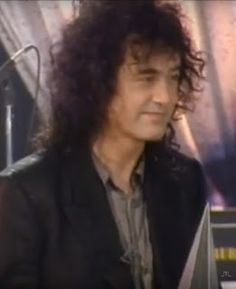 MAGE MUSIC: On This Day 30 January 1995 Jimmy Page accepts AMA International Artist award