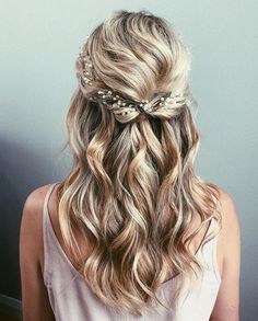 Gorgeous half up half down wedding hairstyle , bridal updo ,bridal hairstyles ,partial updo frisuren haare hair hair long hair short Half Up Wedding Hair, Wedding Hair And Makeup, Curled Prom Hair, Hair Ideas For Wedding Guest, Wedding Hair Curls, Bridal Makeup, Wedding Hair Blonde, Short Prom Hair, Long Curly Wedding Hair