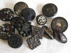 ANTIQUE & VINTAGE Black Glass BUTTONS. #sewing #button #glass #notions #vintage #Sewcratci