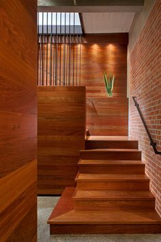 Partially hidden stairwell.  I also like the planter.