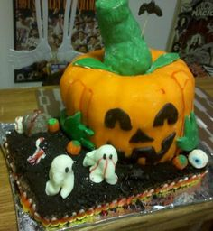 Halloween cake (First decorated cake)