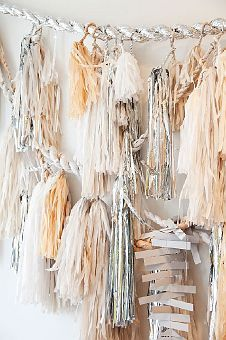 Modern geometric wedding inspiration board in neutral colors with gold, silver, and white wedding details. Tassel Garland, Tassels, Diy Garland, Diy Pompon, Confetti System, Nagellack Design, Festa Party, Party Party, Party Ideas