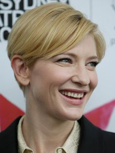 Cate Blanchett - Reimagined as forensic psychic medium, Ruth O'Neill. No ghost hunter, she gets more than she bargained for in the Ouderkirk House. Cate Blanchett, 40s Hairstyles, Cute Hairstyles For Short Hair, Short Hair Styles, Hair Inspo, Hair Inspiration, Emma Thompson, Hair Magazine, Beauty Shots