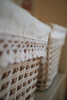 Ordnung halten - Körbe benutzen. Organize Home with baskets.