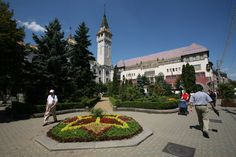 My next volunteering destination. Sidewalk, Street View, Romania, Viajes, Side Walkway, Walkway, Walkways, Pavement