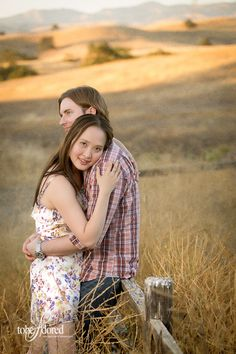 tobeadored-summer-evening-engagement-session-08