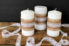 Here comes another wedding post - although in reality you don't have to be getting married to create these shabby chic Simple Burlap and Lace Candles. Using white candles Burlap Candles, White Candles, Diy Candles, Pillar Candles, Candle Jars, Twine Crafts, Diy Crafts For Gifts, Creation Bougie, Baptism Candle