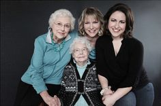 101 Years of Beauty – Photoshoot with Four Generations of Women from One Family