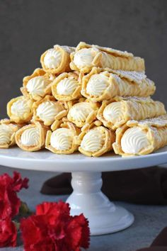 Cream Filled Pizzelles (Trubochki) - Olga in the Kitchen Winter Desserts, Christmas Desserts, Just Desserts, Pizzelle Cookies, Pizzelle Recipe, Pastry Recipes, Cookie Recipes, Dessert Recipes, Picnic Recipes
