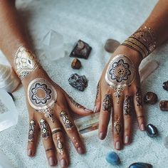 How to Chic: GOLD TEMPORARY TATTOO