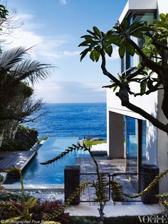 Taking its cue from the Cape Dutch architecture of South Africa, this Sydney home throws itself open to the coastal surrounds. From The Life Aquatic a story on page 100 of Vogue Living January/February 2013. Photograph by Prue Ruscoe.