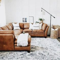 45 Elegant First Home Decorating Ideas On A Budget #homedecoratingideas #homeideas #firsthome #HomedecorIdeas