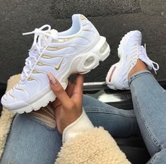 white and gold air max plus.