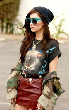 Love, love, love!! The wolf tshirt with long pendants to the leather skirt and amazing sunglasses.