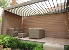Terrassenüberdachung aus Holz und Glas-Patio