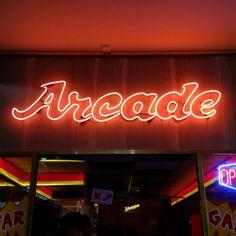 Computerspielemuseum Berlin, great neon arcade sign.