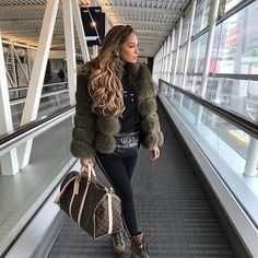 Thanksgiving Outfit Inspo – Living My Best Style Fur Fashion, Look Fashion, Luxury Fashion, Fashion Outfits, Womens Fashion, Fashion Tips, Petite Fashion, Fashion Bloggers, Fashion Trends