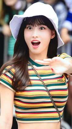 1996 in Kyoto, Japan), better known as Momo, is a Japanese singer, dancer and member of the K-Pop group Twice. Nayeon, K Pop, Kpop Girl Groups, Korean Girl Groups, Kpop Girls, Signal Twice, Sana Momo, Jihyo Twice, Hirai Momo