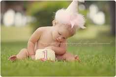 birthday photo #photography love the outdoor cake smash idea!