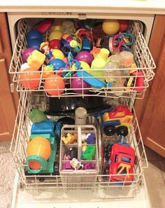Disinfect kids toys in the dishwasher- gentle cycle, heated dry off. Good to know. Diy Cleaning Products, Cleaning Solutions, Cleaning Hacks, Hacks Diy, Baby Hacks, Mom Hacks, 25 Life Hacks, House Hacks, Household Cleaning Tips