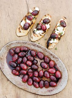 fall wedding food ideas | Stephen DeVries #wedding (coupole goat cheese with merlot poached grapes and bulls blood or micro arugula)