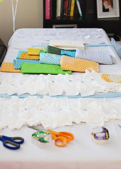 Do-it-Yourself Baby Onesies – Fun Baby Shower Activity    @Alyssa Gantt I like this idea!