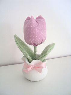 Aprende la técnica para hacer hermosas flores de tulipanes de tela ~ lodijoella