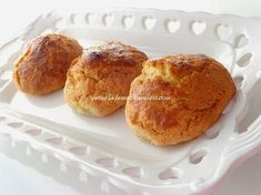 recipe from my mother . a recipe for almost 40 years. Donut Recipes, Muffin Recipes, Cupcake Recipes, Cookie Recipes, Easy Breakfast Muffins, Sour Cream Scones, Magic Custard Cake, Easy Carrot Cake, One Smart Cookie