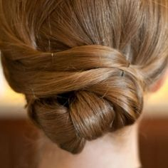 We have found 10 Fun Hair Ideas for Summer 2012. You will be styling in these great hairstyles! Image Credit Style Me Pretty.