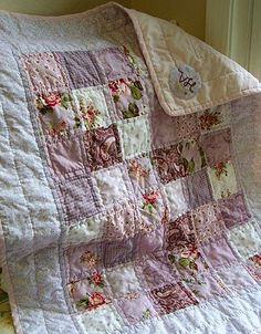 One day I will learn how to do quilts.. they are so nice and full of feelings