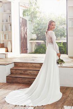 Rosa Clara Calanda - Coming soon! Lace Wedding Dress, Stunning Wedding Dresses, Wedding Dresses Photos, Dream Wedding Dresses, Bridal Dresses, Wedding Gowns, Boho Stil, Sophisticated Bride, Estilo Boho