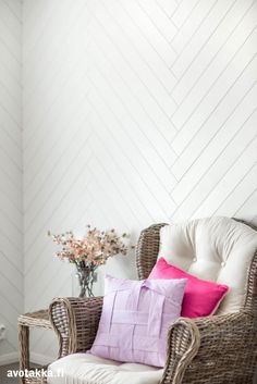 """A wood floor onto your wall - YES! Finnish Siparila manufactures """"Pala"""" wall panels, which are very easy to mount onto the wall, also to apartments. Cool Art, Awesome Art, Wooden Walls, Diy And Crafts, Accent Chairs, Cottage, Throw Pillows, Flooring, Interior Design"""