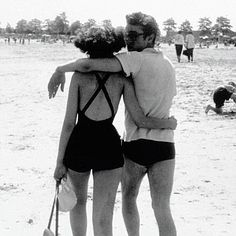 James Deanand his girlfriend, BarbaraGlenn on a New York beach in the summer of 1953